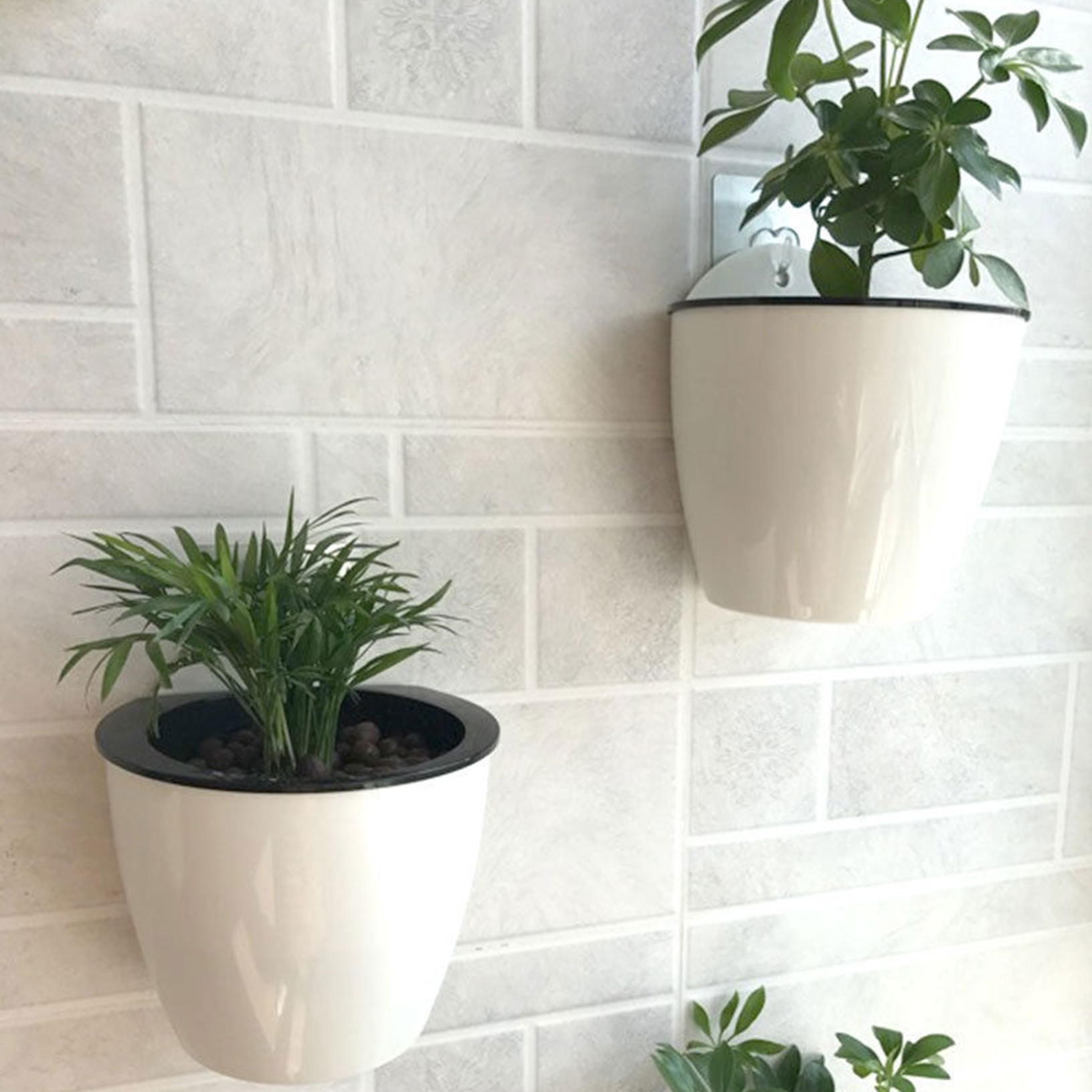 Creative self watering plant flower pot wall hanging for Fence hanging flower pots